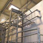 Serrurerie : plateforme et échelles à crinoline sur boite froide