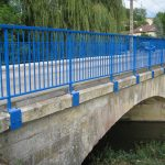 Serrurerie : réalisation et montage de gardes corps sur un pont